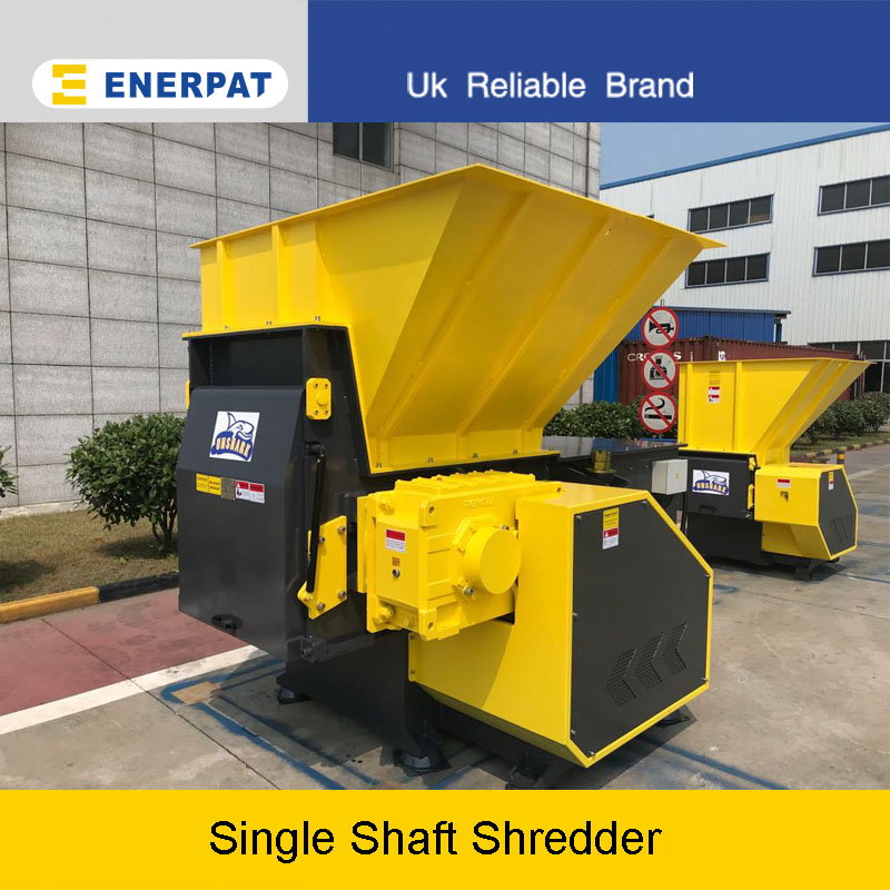 Single shaft shredder application (recycling waste pallets)